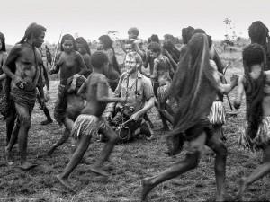 Michael Rockefeller durante expedição na região de Asmat