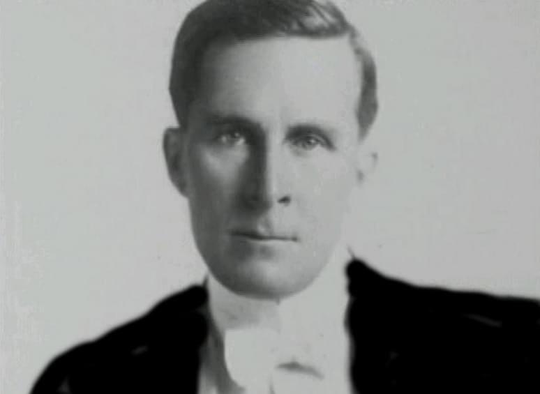 William Desmond Taylor foi um conhecido diretor de Hollywood, dirigiu 59 filmes entre 1914 e 1922.