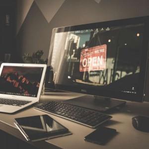 Jogar games, navegar na internet e ouvir música num bom som