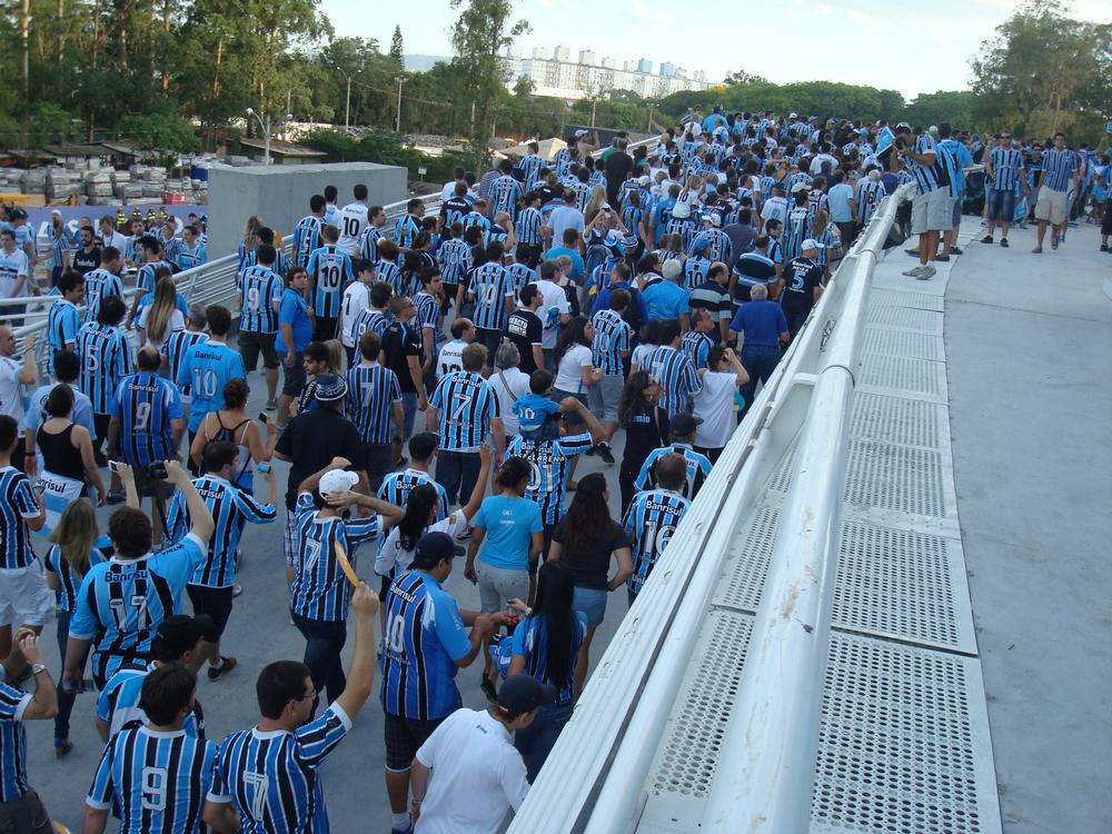 Inauguração-da-Arena-Gremistas-ansiosos-na-rampa