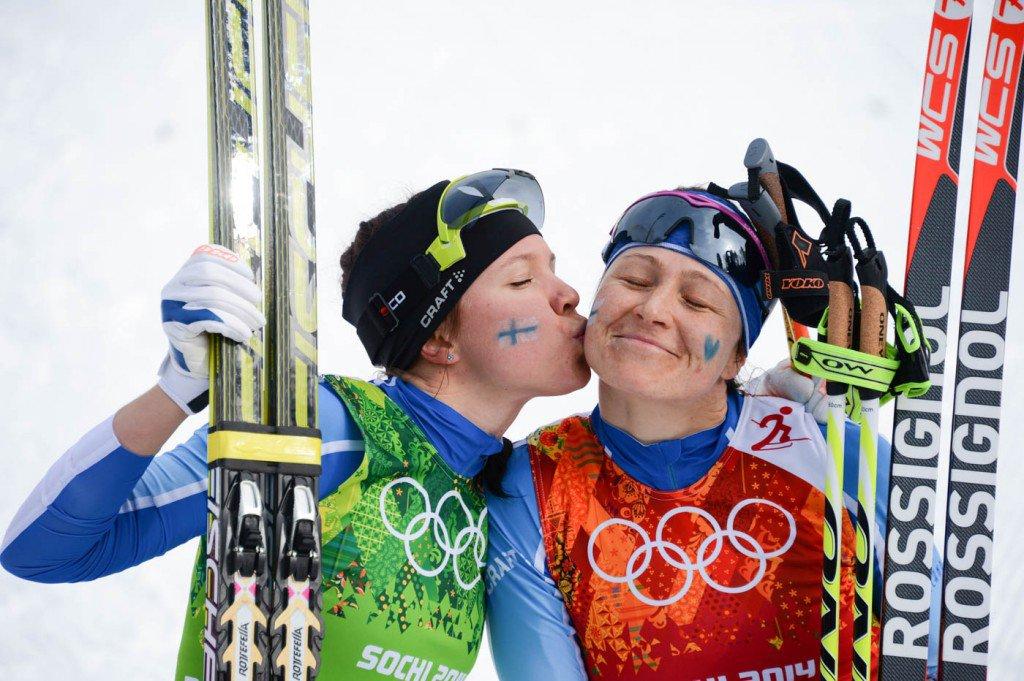 19-de-fevereiro-medalistas-de-vitória-comemorando-a-vitória-em-Sóchi-na-Russia-1024x681