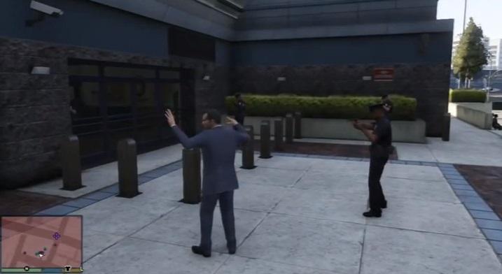 Cuidado ao encarar policiais em GTA V
