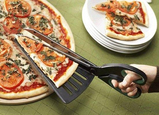 tesoura-corta-pizza