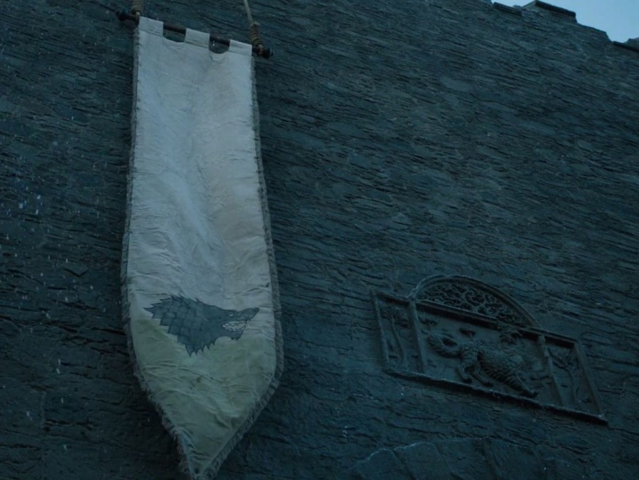 stark direwolf banner in winterfell game of thrones