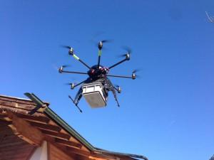 drone-G4-fazendo-entrega