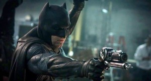 batman-benaffleck-grapplegun-700x379