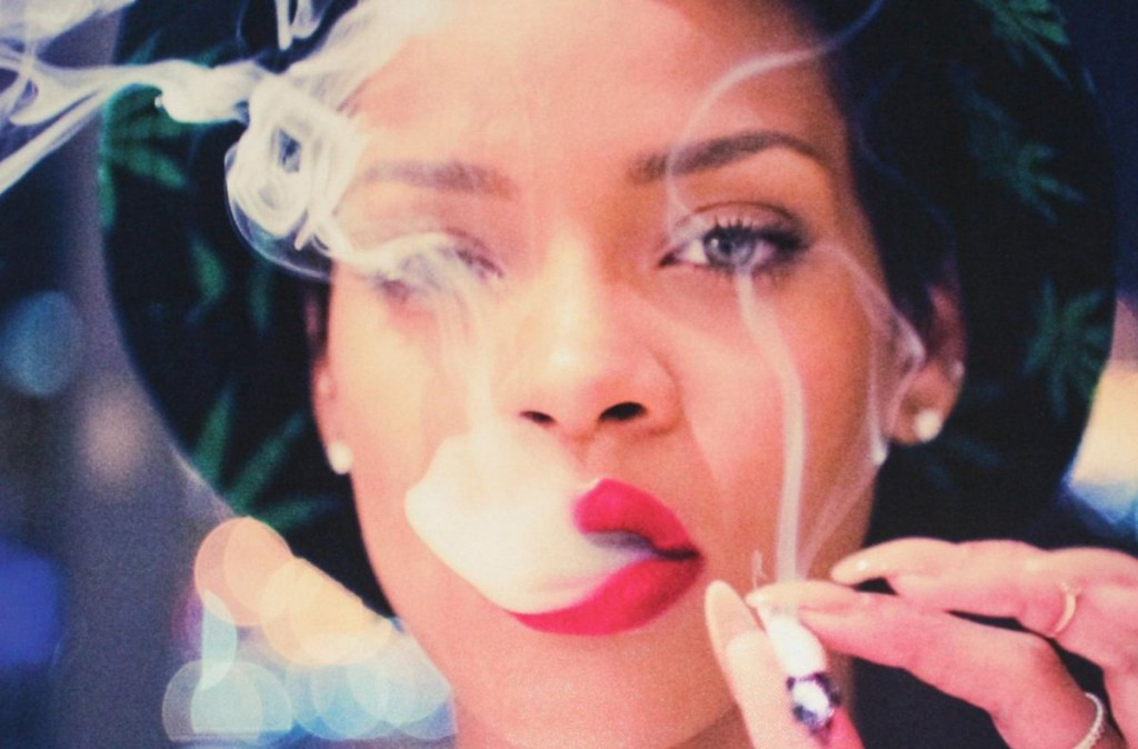 rihanna-smoking-CROP