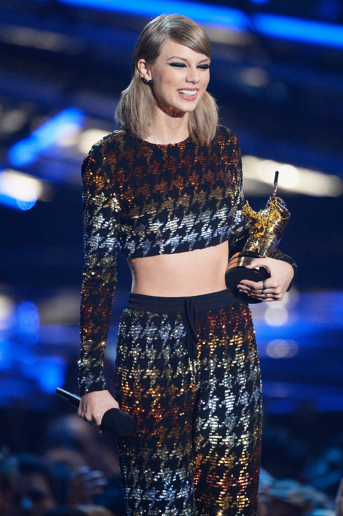 Taylor-Swift-MTV-VMAs-2015-Pictures