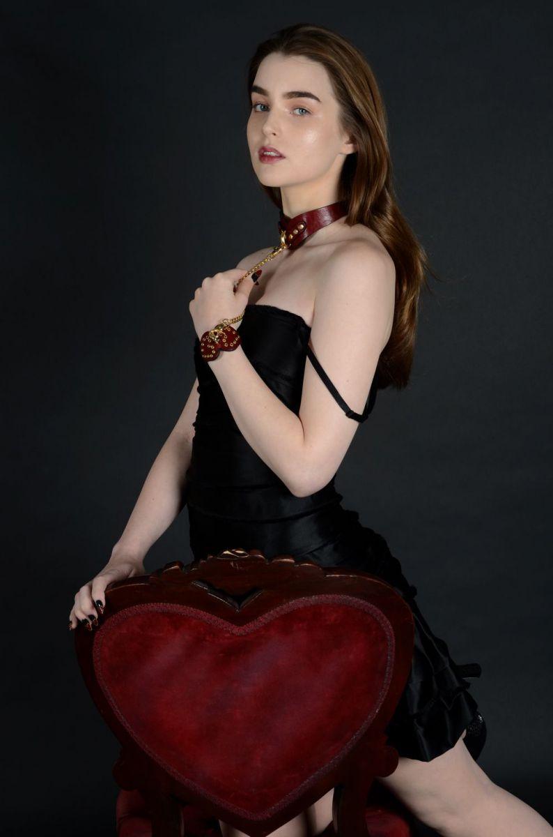 marc-jacobs-taps-zana-bayne-for-valentines-day-collaboration-body-image-1422450313