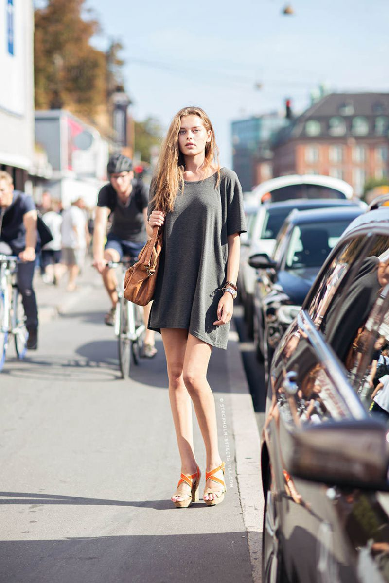 Inspirasi_Keren_Gaya_Casual_Oversize_T-Shirt_Dress