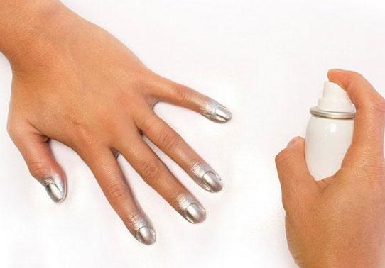 Manicure express esmalte em spray chega para agilizar o for Esmalte para baneras en spray