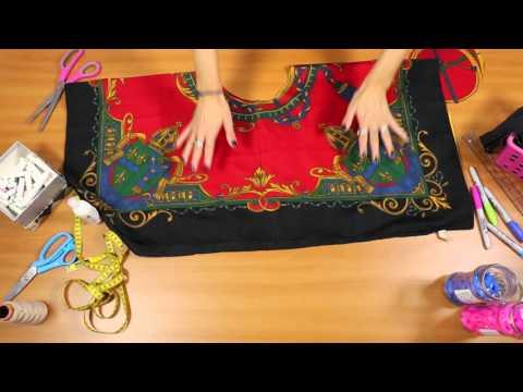 Aprenda a transformar um lenço em blusa cropped sem costurar