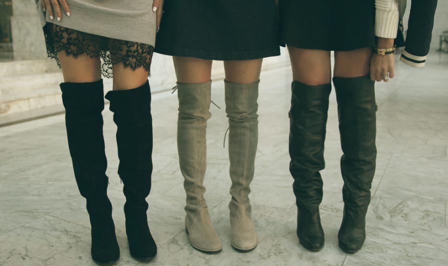 3086a80d0 Com o fim do inverno passado muita gente chegou a pensar que as botas over  the knee ficariam esquecidas em 2015. Porém