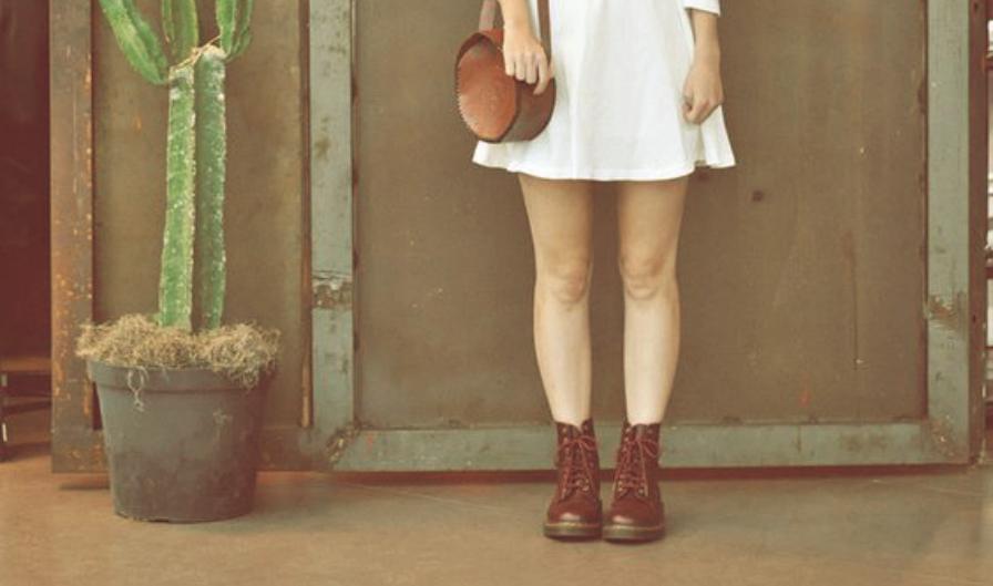 abb014222b Dica da Juju: como usar bota de cano curto com saia ou vestido - ATL ...
