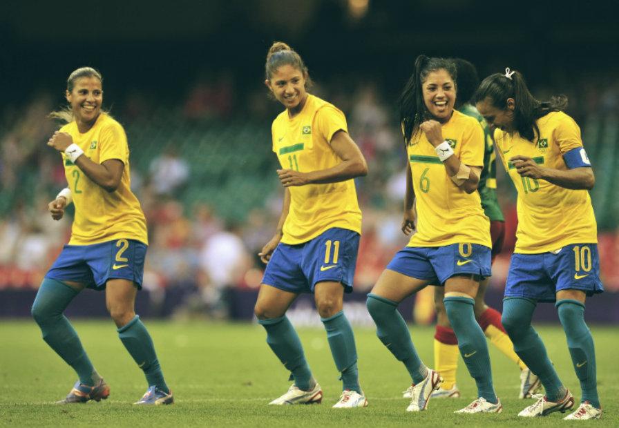 Precisamos falar sobre mulher e futebol - ATL Girls 706b73eabbb26