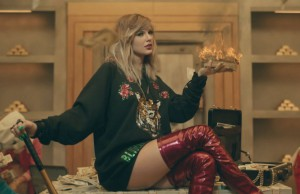 taylor-swift-look-what-you-made-me-do-video-stills-19