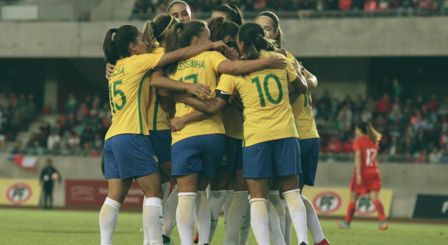 e916504824 Dia do Futebol  conheça 5 jogadoras da seleção brasileira e inspire ...