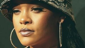 1017_Rihanna-Lawsuit